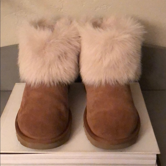 044b7671a56 UGG Valentina Size 9 in Chestnut